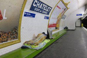 مترو خوابی
